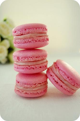 rose-macarons